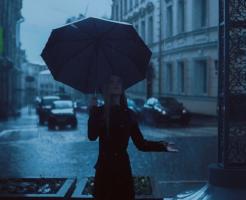 ミナミヌマエビ 屋外 雨